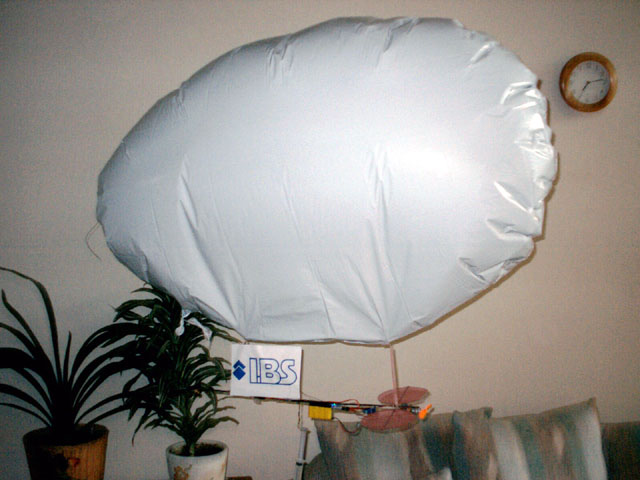 You are browsing images from the article: My advantures with RC Blimp